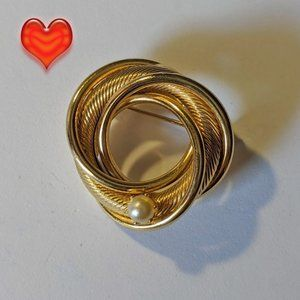 Vintage Knotted Rope Faux Pearl Gold Tone Brooch
